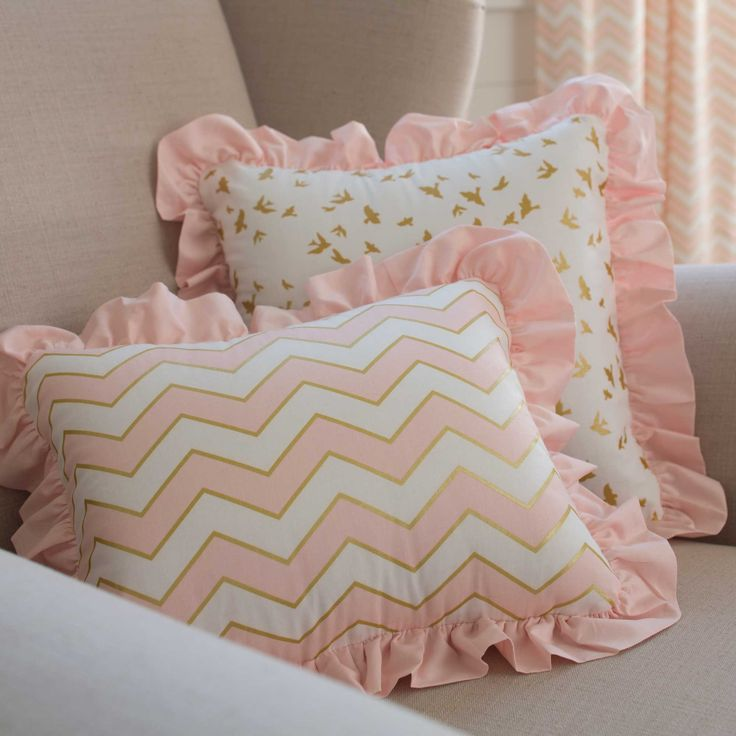 Pale Pink and Gold Chevron Crib Bedding | Carousel Designs