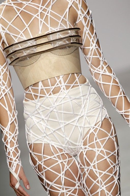 Innovative Fashion - woven bodysuit with wooden bodice; experimental fashion design // Winde Rienstra