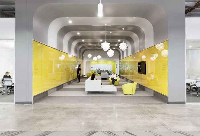 HGA Architects and Engineers has developed a new office space for video technology company Ooyala located in Santa Clara, California.