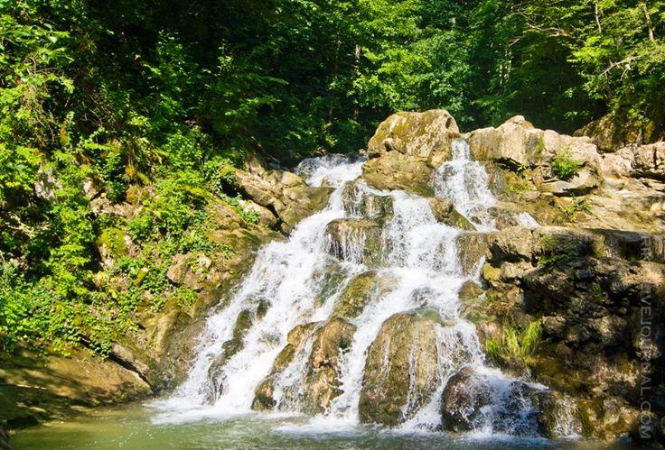 Аюкские водопады
