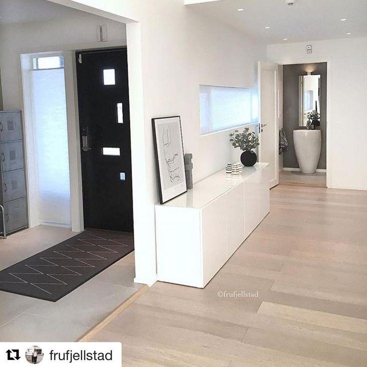 Så gjennomført og lekkert det er i gangen til @frufjellstad  #swedoor #swedoorno #semindør #mindrømmedør #endørgjørforskjell #jegelskerdører #pulse  #dør #innerdør #ytterdør #interiør #innredning #inspirasjon #boligunivers #nybygg #renovering #oppussing #nyedører #boligmedstil #nordicliving #dørløsninger #dørunivers