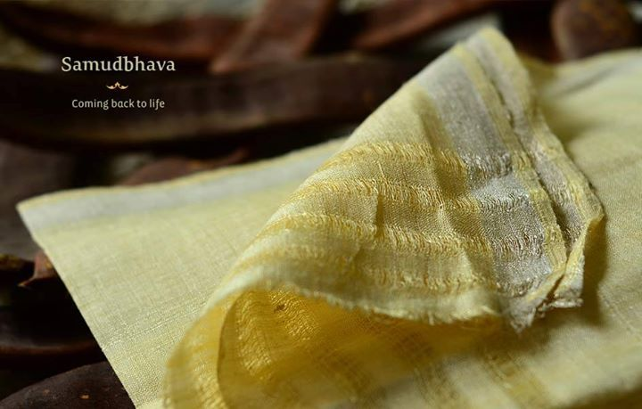 The old world charm of these Real Silver Zari is back again.. with the texture of Matka silk they fall with just the right weight, draping elegantly around your body .. a treasure worth keeping. #matkasilk #handwoven #zari #indian #traditional Buy here ~ http://shop.gaatha.com/buy-organic-cotton-silk-products