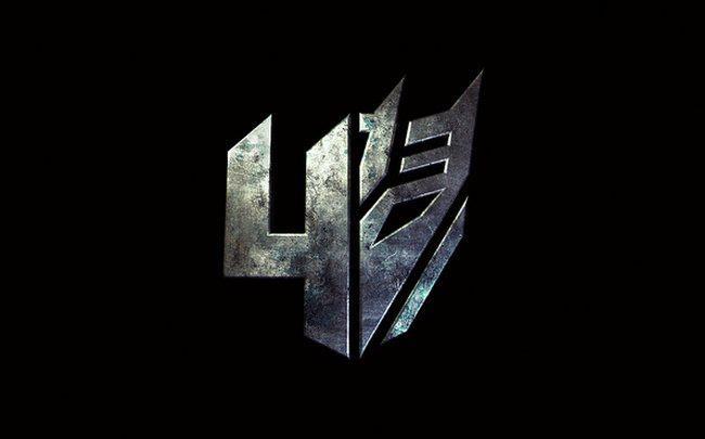 """Mark Wahlberg protagonizará 'Transformers 4', que ya tiene logo oficial  Un actor de su calibre es perfecto para reanimar la franquicia y continuar el legado de Transformers.  Tras desmentir el rumor, y luego agradecer a los foros de Internet por darle la idea, Michael Bay ha confirmado que Mark Wahlberg encabezará el reparto de 'Transformers 4', que será una especie de """"reboot"""" al no contar con los protagonistas de las anteriores entregas. De hecho, ni siquiera aparecerá Optimus Prime…"""