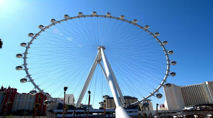 Tallest Ferris Wheel in The World. High Roller Las Vegas.!!