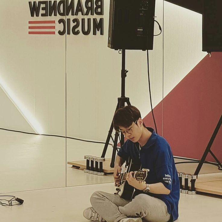 KIM DONGHYUN   Brand New Music   Produce 101 - Season 2