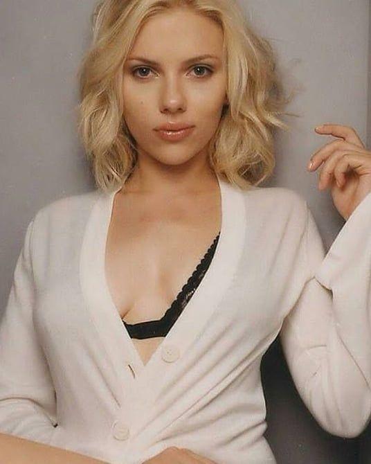 Scarlett Johansson Erwischt Nackte Frau