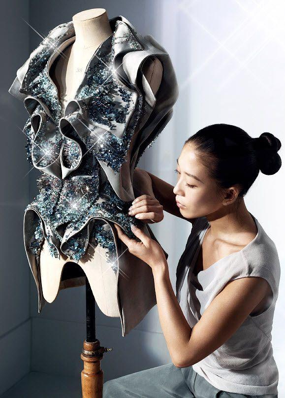 yiqing yin fabric manipulation
