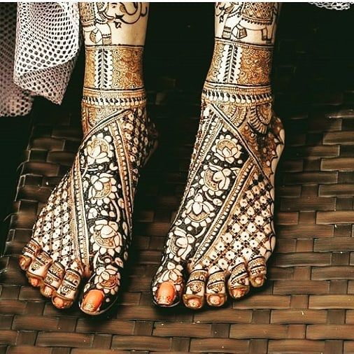 Some of the designs i like the most for bridal Floral designs MUBASHIRAH MEHENDI ARTS #likeandcomment #commentforcomment #mubashirahmehendiarts #like4like #follow4follow #share #mehndi #mehendi #art #mehendiart #mehendilove #mehendilovers #mehendidesign #mehendiartist #henna #tattoo #hennadesign #hennaart #loveforhennaart #loveformehendi #loveforart #lovefordesign #practicetym #instaart #orders #bridal #allkindsofhenna #allkindsofmehendi #allkindarts Dm for orders and enquiry