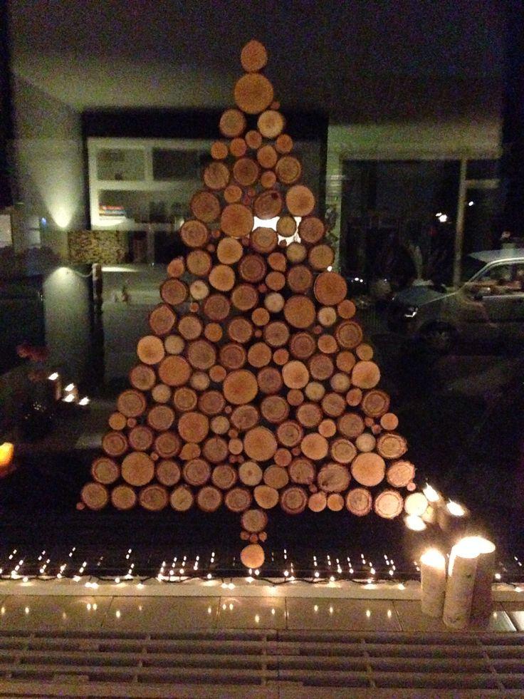 Houten kerstboom van schijven