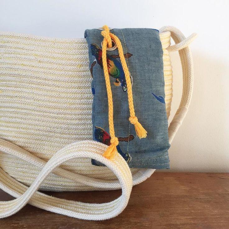 É facile stancarsi di qualcosa e allora ho pensato perché non fare una borsa a cui posso cambiare la fodera in base ai vestiti o all'umore di quel giorno?  Che ne pensate vi piace?  Es muy fácil cansarse de algo por eso he creado un bolso que puedo cambiar como me da la gana o por como estoy vestida ese dia! Que tal les gusta?  Perdona??? Sí sí! #bolso #borsa #tracolla #cestino #cesta #basket #mirtasmood #bag #algodon #algodonorganico #cotton #organiccotton #organic #cotone #cotoneorganico…