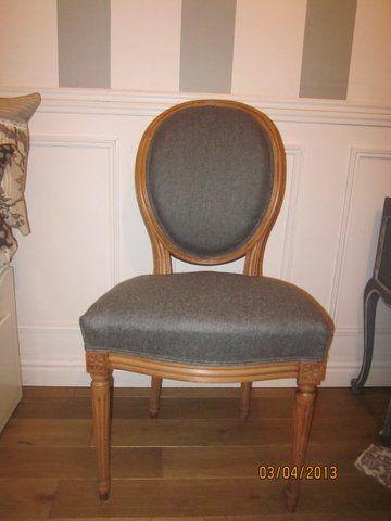 Chaise medaillon tapissière rénovée revêtement toile de mayenne