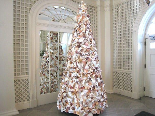 White House Shell Christmas Tree