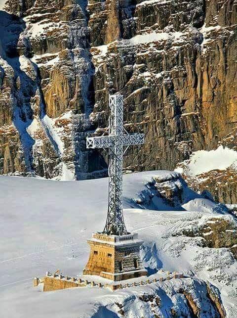 Crucea Eroilor Neamului, muntii Caraiman
