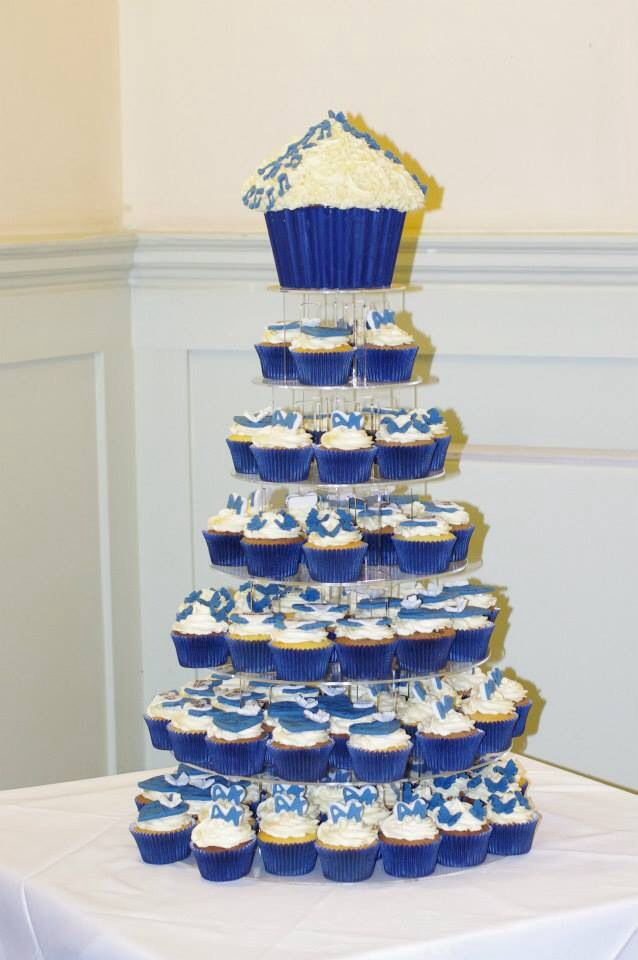royal blue wedding cake and cupcakes royal blue wedding cupcakes wedding 19369