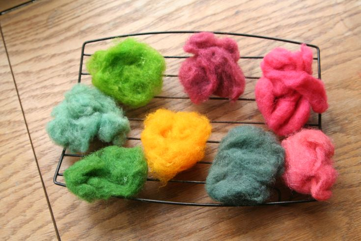 (not exactly sewing) Dyeing Easter Wool Tutorial from Love in the Suburbs