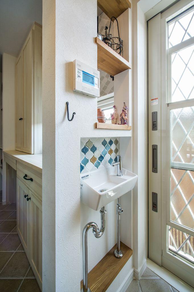 アートハウス 土間のある家 注文住宅の事例写真 デザイン集 株式会社スペースラボ 玄関 手洗い 玄関 内装 インテリア 収納