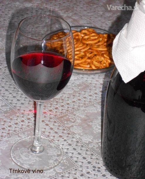 Trnkové víno (fotorecept)