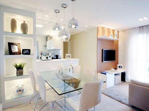✨✨✨ Salas integradas pequenas! Ótima dica usar mesa de vidro e cores claras. @construindominhacasaclean . . . #blog #construindominhacasaclean #decor #decoracao #interiordesign #interior #casa #instadecor #lovedecor #instablogger #casaclean #home #inspiracao #inspiration #iluminação #dica #ideias #consultoria #arquitetura #architecture #interiores #salaestar #salajantar #salasintegradas Blog www.construindominhacasaclean.com