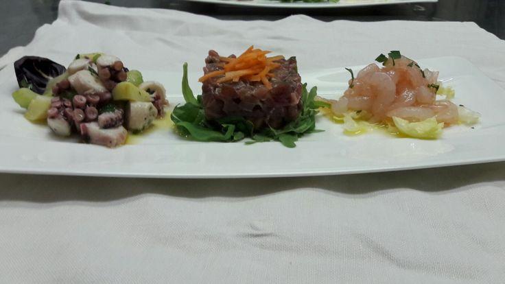 shrimps, polpo and tuna tartare