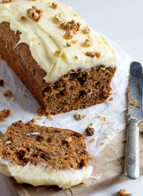 DoorEten: Carrotcake bananabread with lemon creamcheese frosting  #carrotcake #bananabread #dooreten