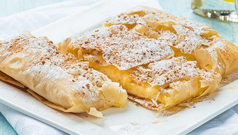 Μπουγάτσα. Ένα αγαπημένο απ' όλους γλύκισμα για όλες τις περιστάσεις. Μια εύκολη συνταγή για μια υπέροχη μπουγάτσα με κρέμα σιμιγδαλιού. 12 φύλλα κρούστας