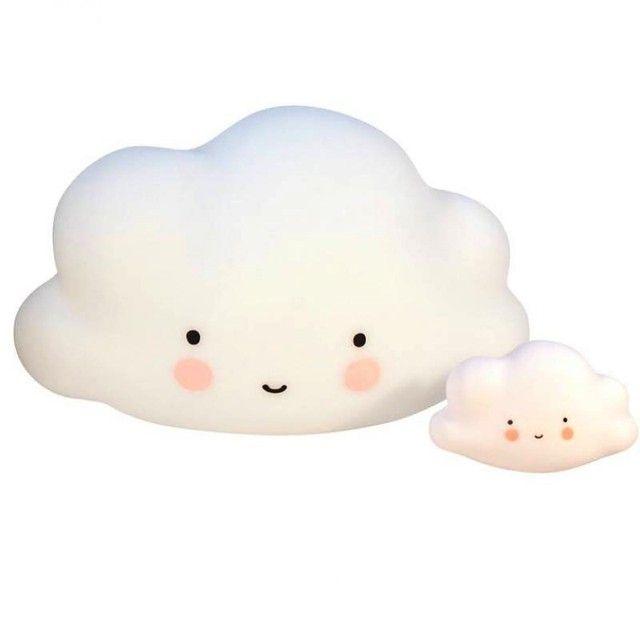 <p>Lampe grande veilleuse en forme de nuage blanc, très décorative elle sera parfaite dans la chambre de votre enfant, éclairée avec lampe LED, prise transformateur incluse, possibilité de mettre des piles (6 x 1,5V AA ), design A little lovely company. A coordonner avec le mini nuage et la glace. On aime sa forme, sa taille généreuse et de sa matière !</p> <p><em><br /></em></p> <p><em><br /></em></p>