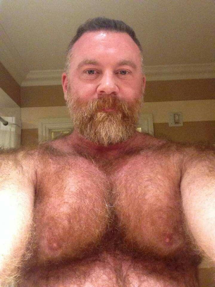 Reife große Brüste hirsute