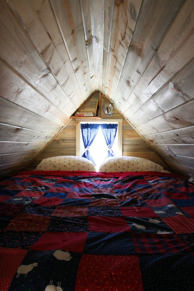 Best 437 Best Cozy Attic Rooms Under The Eaves Images On 400 x 300