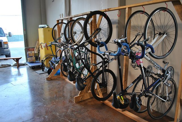 Build Your Own Bike Rack, step-by-step guide for an easy hanging bike rack made with old pallets, www.bikecommuters.com, via Flickr