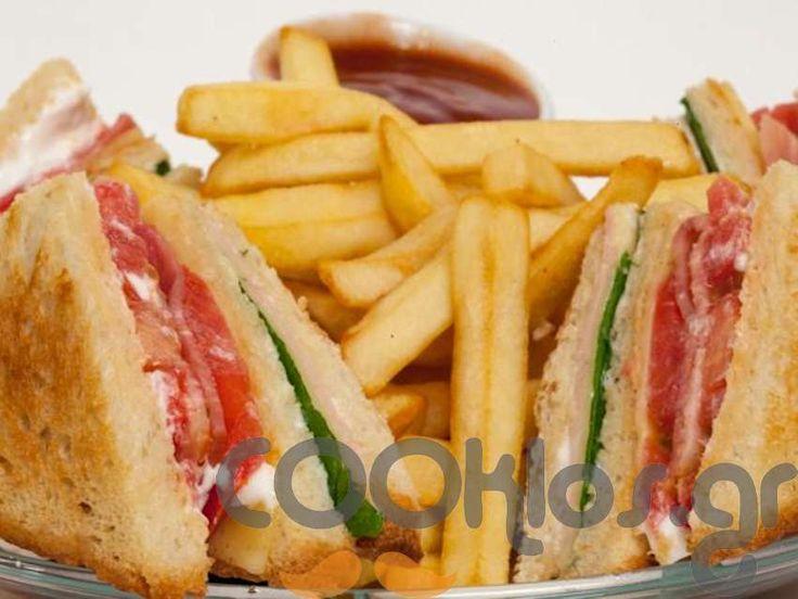 Club Sandwich κλασικό - Συνταγή εύκολες - Σχετικά με Ορεκτικά, Σάντουιτς - σνακ, Ζεστά σάντουιτς - Ποσότητα 1 άτομο - Χρόνος ετοιμασίας λιγότερο από 30 λεπτά