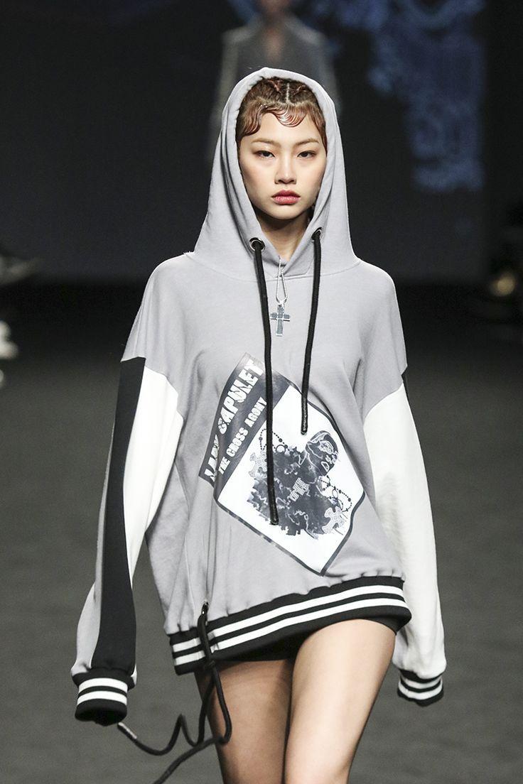 Kuvahaun tulos haulle seoul fashion week 2017