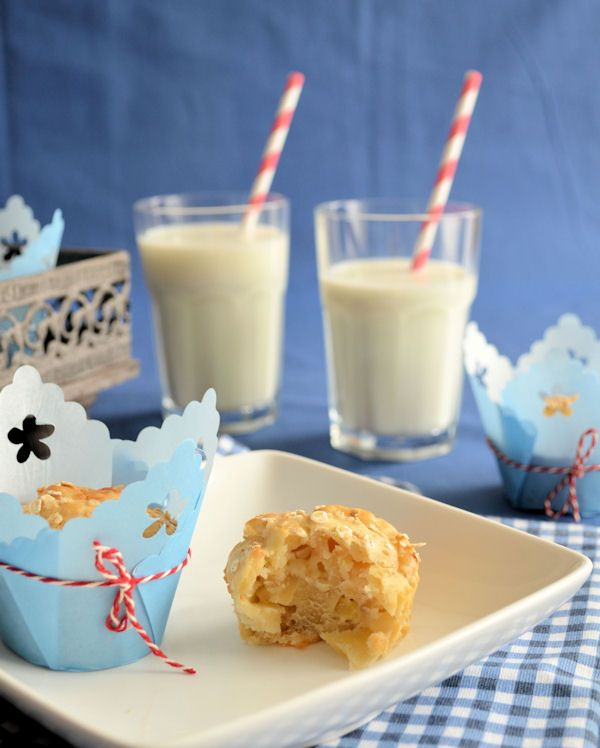 Deze appel yoghurt muffins zijn lekker fris door de appel en yoghurt. Een heerlijk tussendoortje.