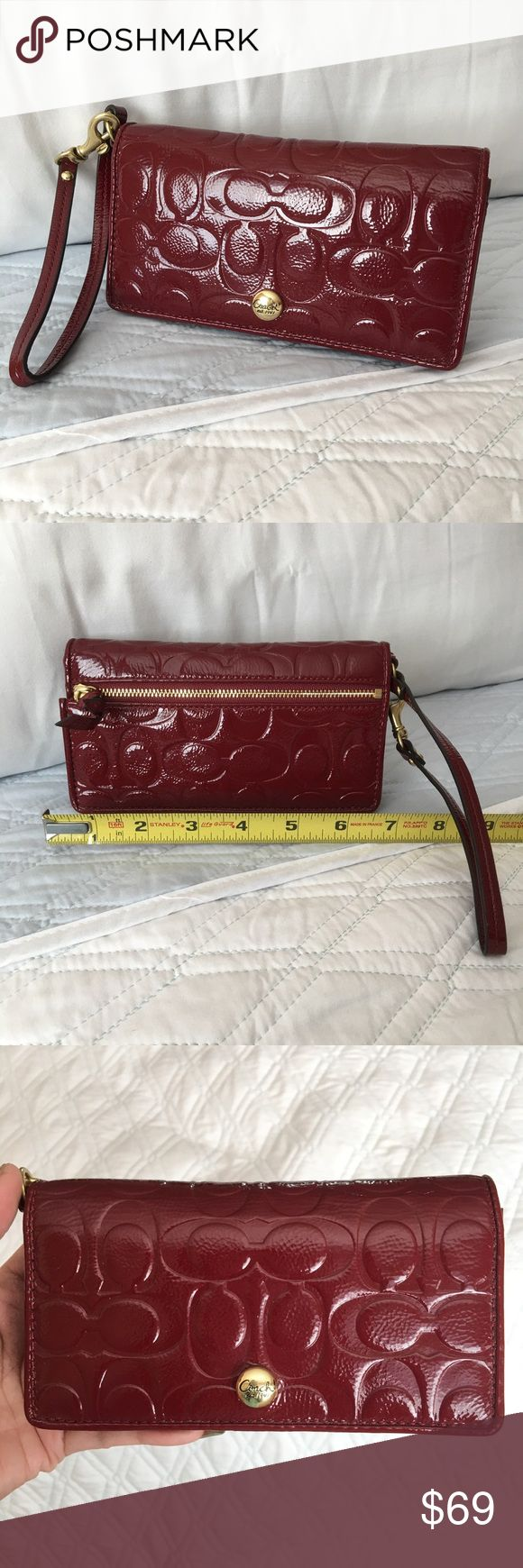 """Authentic Coach Clutch/Wallet 100 AUTHENTIC. Beautiful signature clutch/wallet from Coach. Very spacious. Approximate measurements: NOT EXACT 7"""" x 3 3/4"""" x 1"""" w/ lots of compartments. Used, w/ marks (especially the interior) scratches, and in very good condition. NO TRADE ❌ Coach Bags Clutches & Wristlets"""