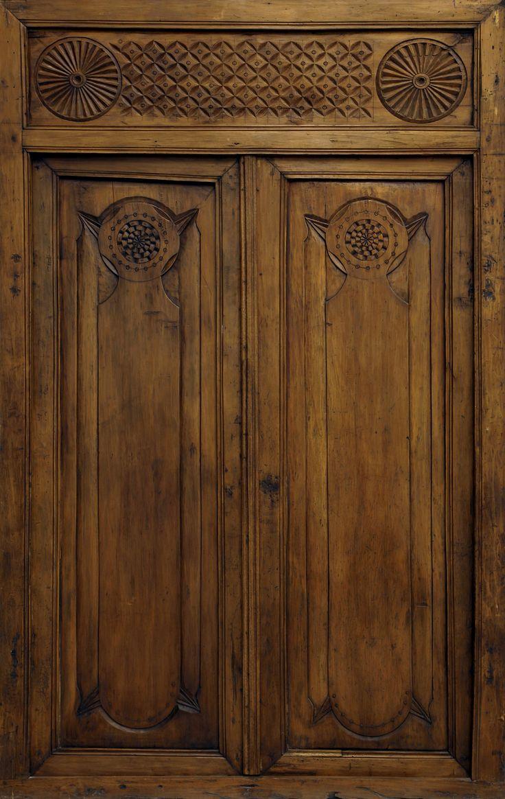 Conely   Puertas de madera, metal y forja, rústicas, artesanales. Decoración.#door