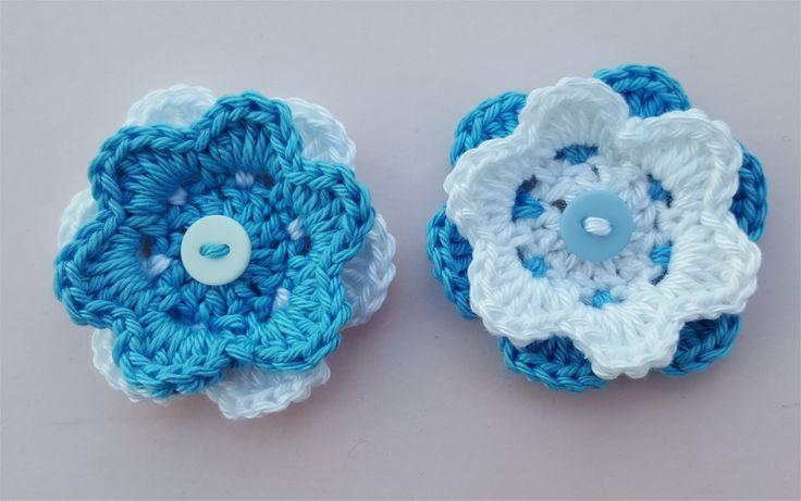 Lot de 2 appliques fleurs bleues et blanches au crochet : Autres pièces pour créations par atelier-crochet