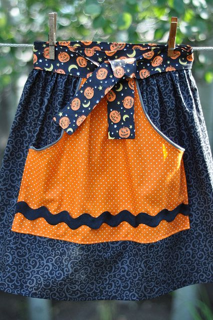 Halloween Apron from Auntie Dots Pattern  by Pleasant Home, via Flickr
