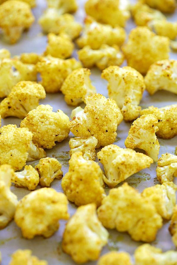 Roasted Curry Cauliflower - healthy roasted cauliflower with butter and curry powder. Takes 10 mins prep time for this amazing side dish | rasamalaysia.com
