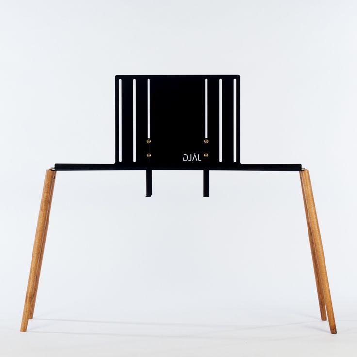 minimalistischer tv st nder aus holz metall diy in 2019 und. Black Bedroom Furniture Sets. Home Design Ideas