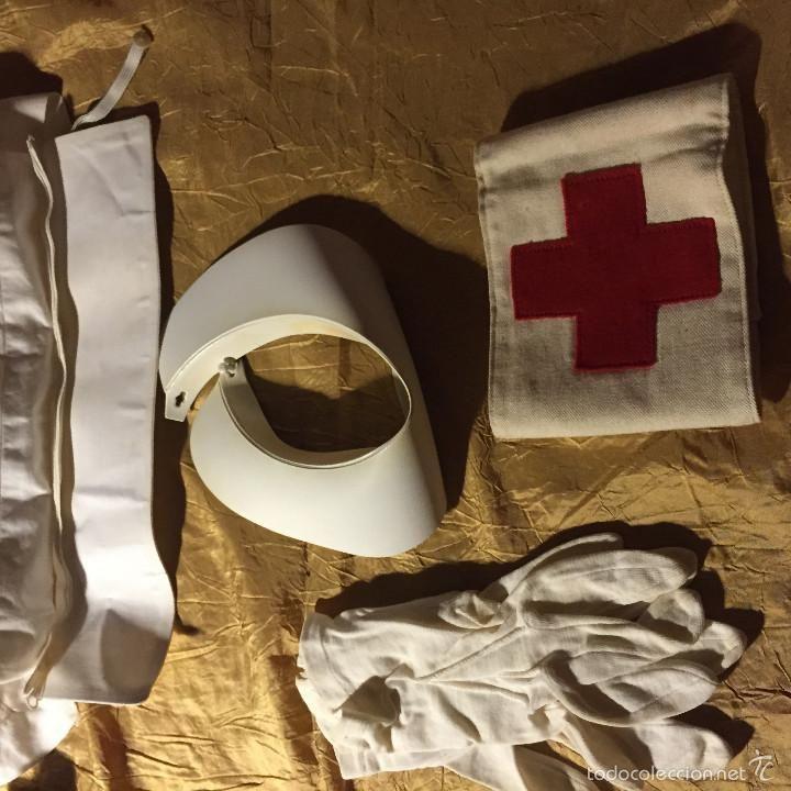 Vintage: Equipo enfermera Cruz Roja 1950 Toca, cuello, guantes y brazalete - Foto 2 - 56675282