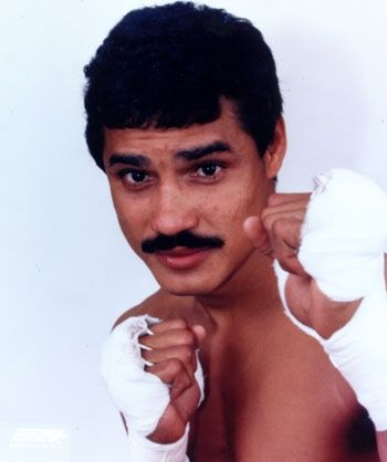Feature site offering career dvds, boxing sets and documentaries on famous boxers such as Miguel Cotto, Arturo Gatti, Alexis Arguello, Ray Mancini, Laila Ali, Paulie, Adonis Stevenson >> Alexis Arguello --> www.pochepictures.com/arguellodvd.html