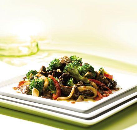 Oksekød med sesam og broccoli