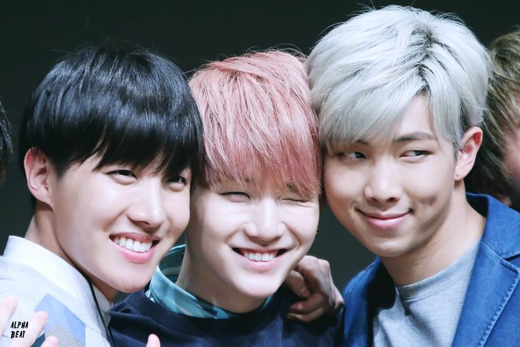 [Picture/Fansitesnap] BTS Fansigning 3rd mini album 화양연화 pt.1 at Yongsan [150529]   btsdiary