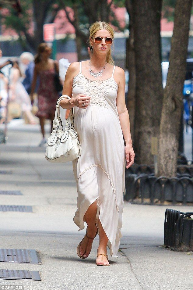 Nicky Hilton on Manhattan, July 7th, 2016 | http://www.jetradar.com/?marker=57819 #nickyhilton #pregnantcelebrity