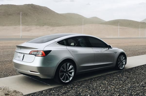 Tesla in-store video shows Model 3 and Gigafactory