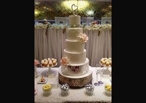Silver Leaf with Stencil #Wedding #Cake