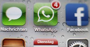 Damit Gruppengespräche nicht alle Teilnehmer nerven, bietet Whatsapp eine tolle Funktion an: Broadcast. Einziges Problem: Kaum einer nutzt sie. TECHBOOK erklärt, was die Broadcast-Funktion kann und warum sie praktisch ist.