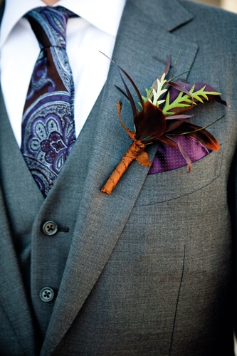 Vintage paisley tie in dark purple and lavender. We love the combination of this tie with a 3-piece suit.