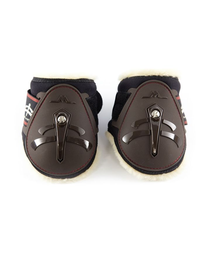 Sheep Skin fetlock boots young horse, according to the new FEI rules for young horses category. With breathable and protection system. Makebe, made in Italy