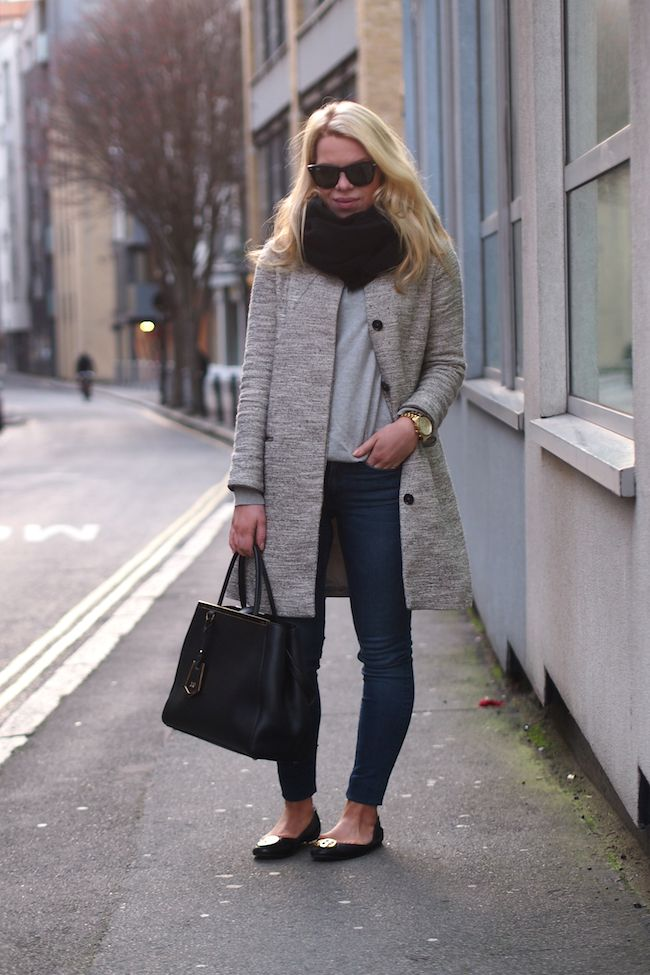 Massimo Dutti Grey Coat Ray-Ban Wayfarer Fendi 2jours  Serena flats by Tory Burch  http://www.yummyjenni.com