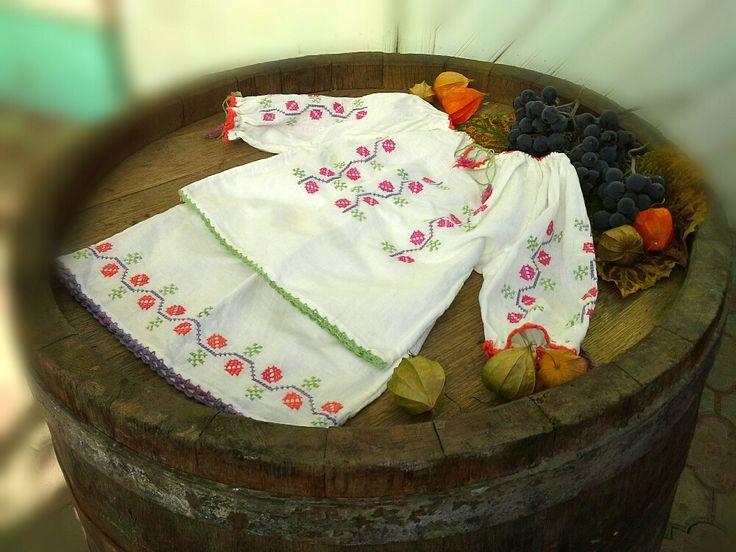 Costumas pentru fetite (170 LEI la Caterine.breslo.ro)
